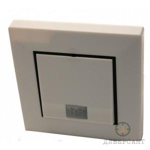 Мини скрита камера с PIR сензор в бутафорен електрически ключ за стена на Lawmate
